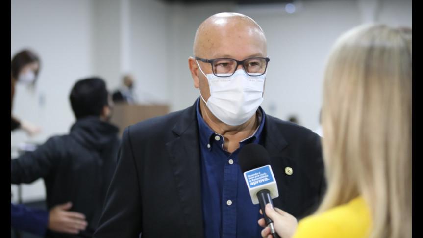 Deputado Luiz Claudio Romanelli (PSB).