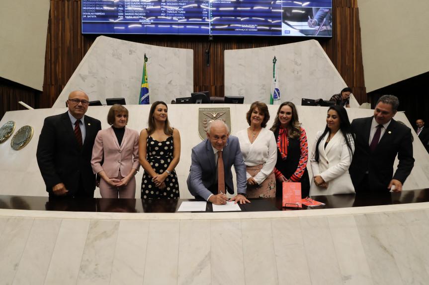 Protocolo Unificado de Atenção à Mulher foi elaborado pela Procuradoria Especial da Mulher da Assembleia Legislativa do Paraná e tem o objetivo de fortalecer a rede de proteção às mulheres no estado.