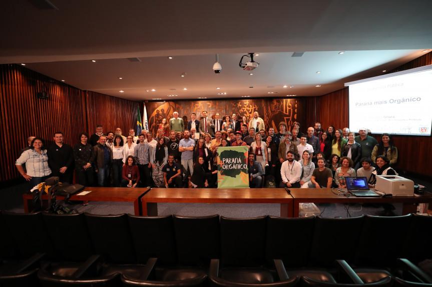 Audiência pública debateu a produção de orgânicos no Paraná.