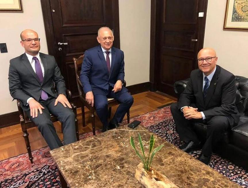 Espaço para atendimento gratuito da população que busca apoio jurídico será implantando na Assembleia Legislativa do Paraná.