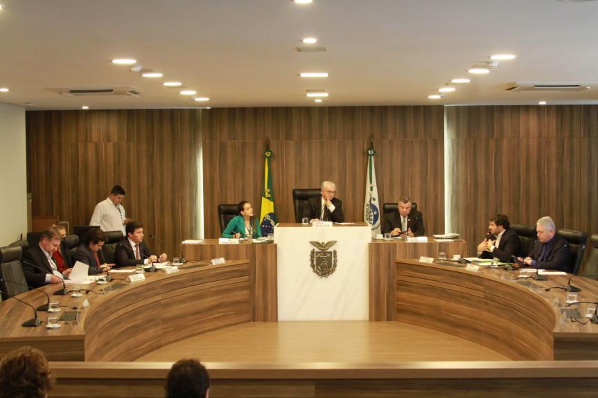 Reunião da Comissão de Finanças e Tributação da Assembleia Legislativa do Paraná.