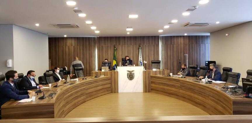 Deputados aprovam relatório sobre projetos do TJPR que propõem alterações e atualizações nas tabelas de custas dos cartórios.