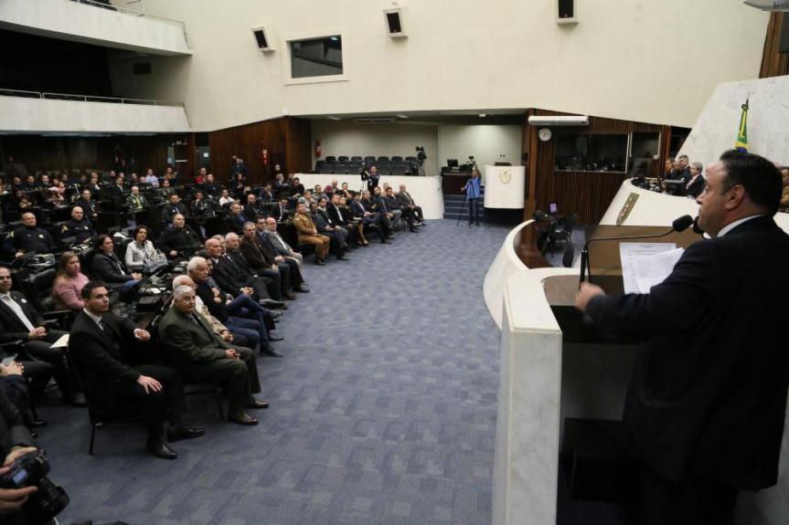 Sessão solene na Assembleia Legislativa, proposta pelo deputado Hussein Bakri (PSD), homenageou os 91 anos da Polícia Rodoviária Federal e encerrou a Semana Nacional de Trânsito.