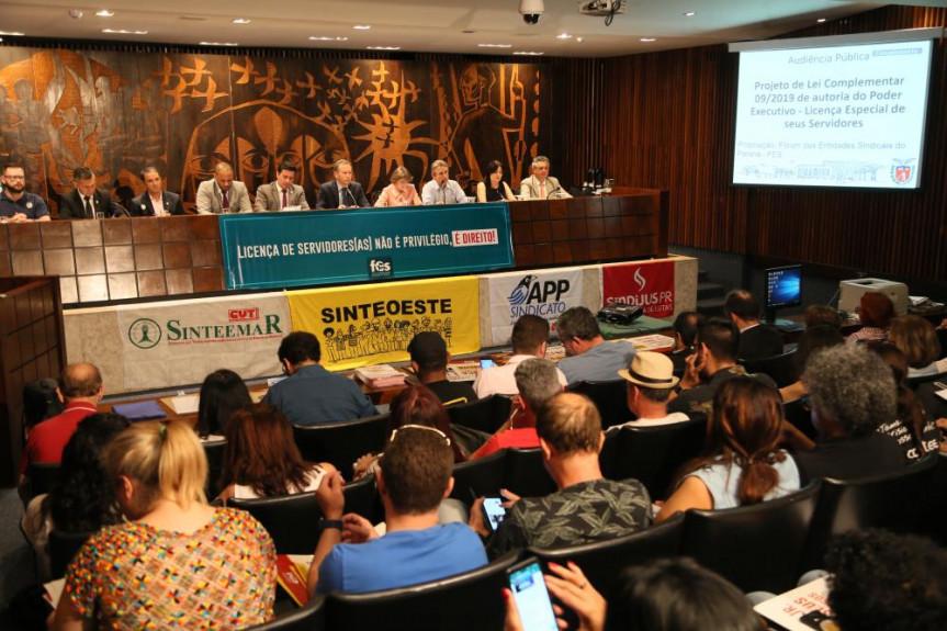 Audiência pública discute projeto do Governo que trata da extinção da licença especial dos servidores estaduais.