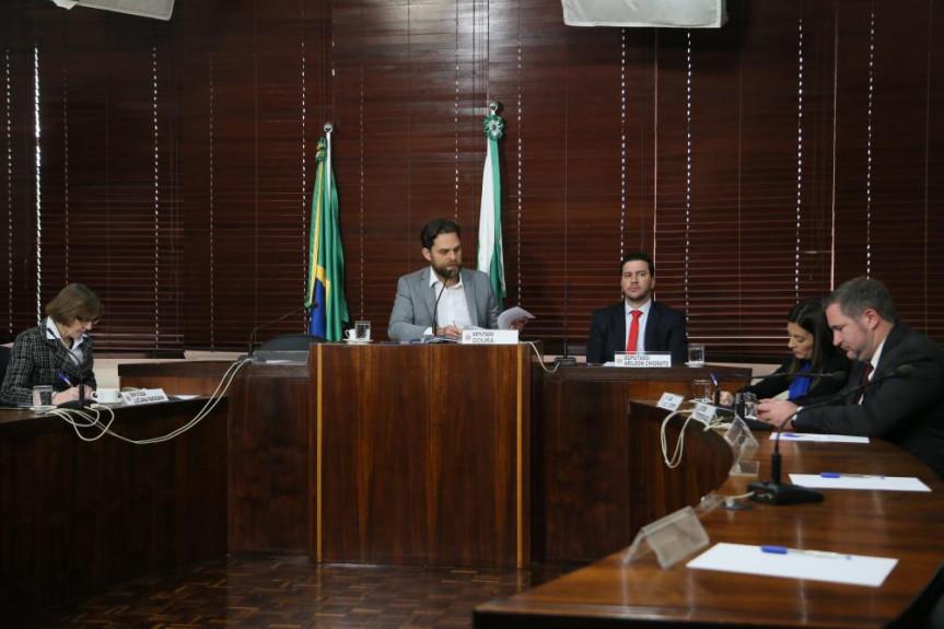 Primeira reunião do grupo abordou contingenciamento, PSS e anteprojeto da Lei Geral das Universidades.