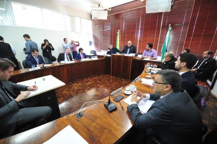 Deputados que integram a CPI da JMK realizaram a 19ª reunião nesta terça-feira (1º).