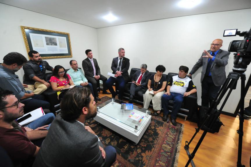 Reunião da Frente Parlamentar de Promoção e Defesa das Universidades Públicas do Paraná.