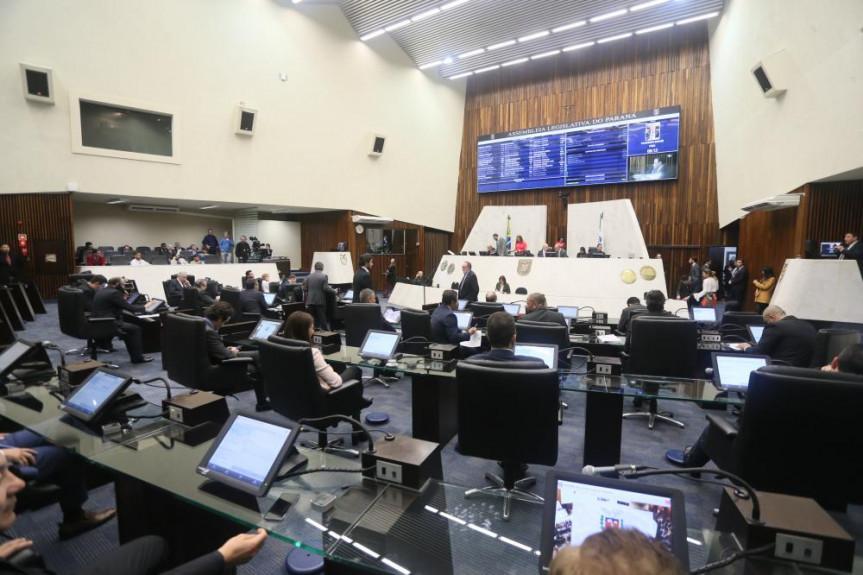 Sessão plenária de 02 de julho.