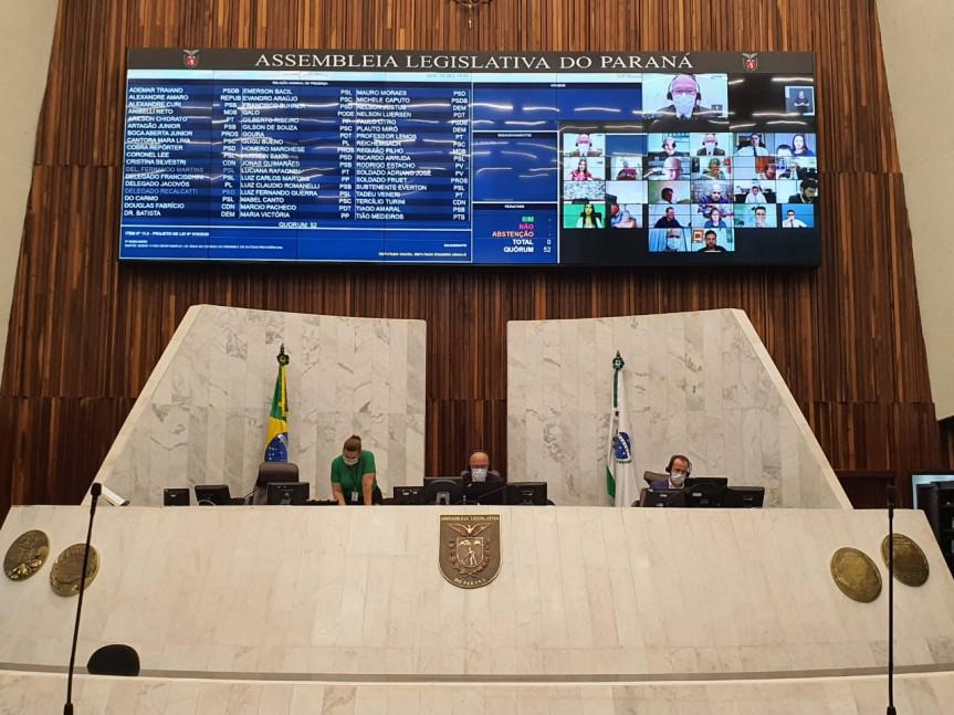 Deputados aprovam em primeiro turno PEC que trata da aposentadoria de policiais.