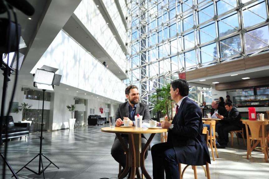 Deputado Goura (PDT) é o entrevistado do Café com Política desta terça-feira (25).