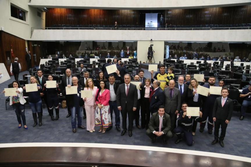 Sessão plenária foi marcada pelo homenagem do Dia Estadual dos Motoristas Condutores de Ambulância.