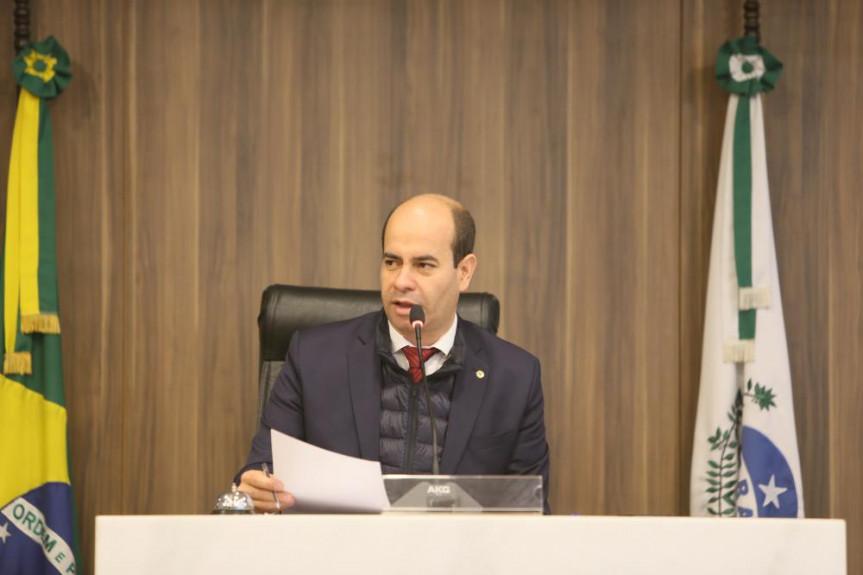 Deputado Evandro Araújo, presidente da Comissão de Orçamento, durante reunião que aprovou alteração na Lei Orçamentária Anual para se adequar à portaria da Secretaria do Tesouro Nacional.
