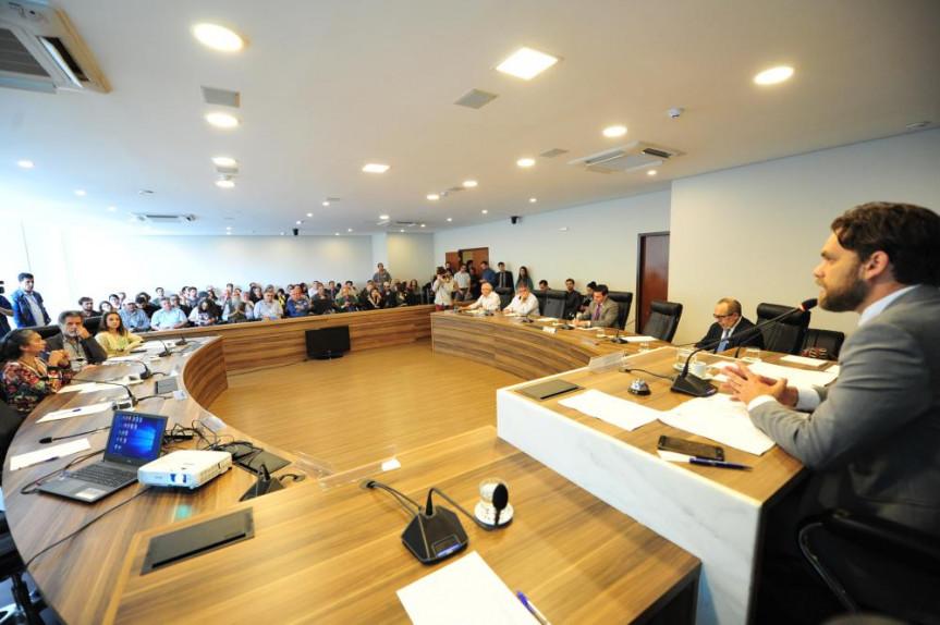 Reunião foi promovida pela Comissão de Ecologia, Meio Ambiente e Proteção.