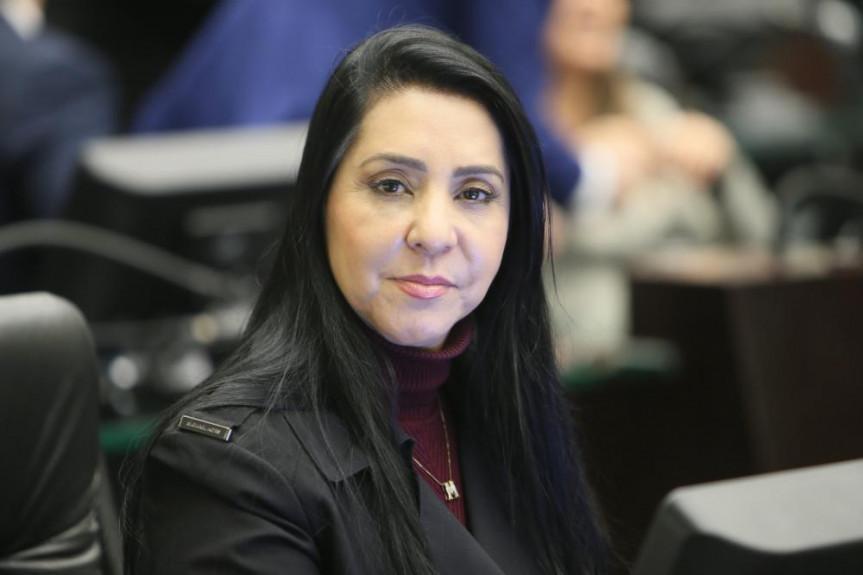 Deputada Cantora Mara Lima participa do programa Política Total da TV Assembleia e pede que mais mulheres participem da política.