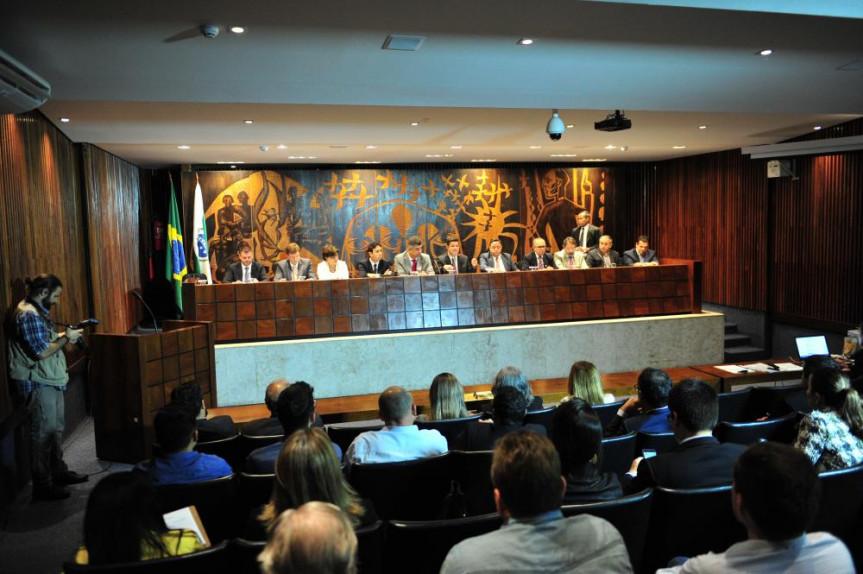 "Lançamento do ""Movimento Mais Brasil Menos Brasília (+Brasil - Brasília) Pacto Federativo""."