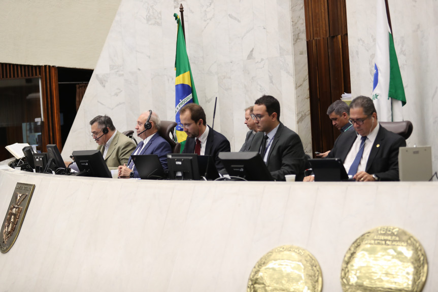 Secretário de Saúde, Beto Preto, falou aos deputados sobre as ações de enfrentamento ao coronavírus no Paraná.