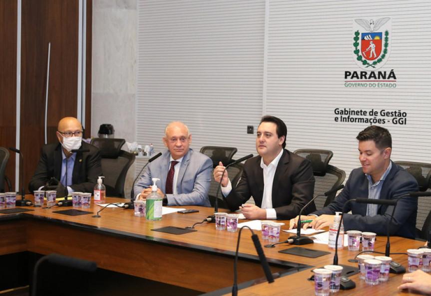A Assembleia Legislativa do Paraná vai destinar R$ 100 milhões para a compra de vacinas contra a Covid-19. Formalização acontece na segunda-feira (3) no Palácio Iguaçu.