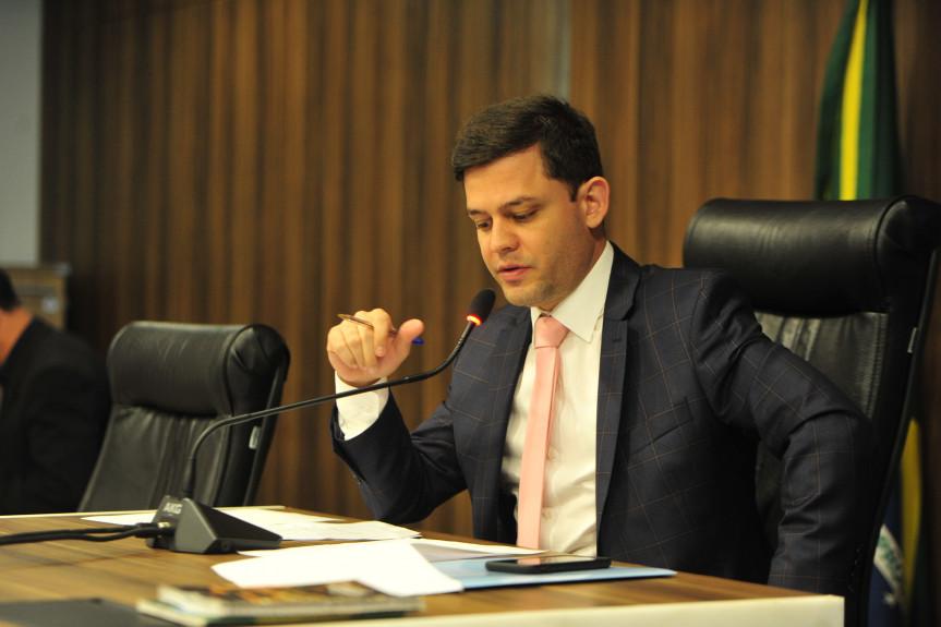 Deputado Tião Medeiros (PTB), presidente da Comissão de Obras Públicas, Transportes e Comunicação.