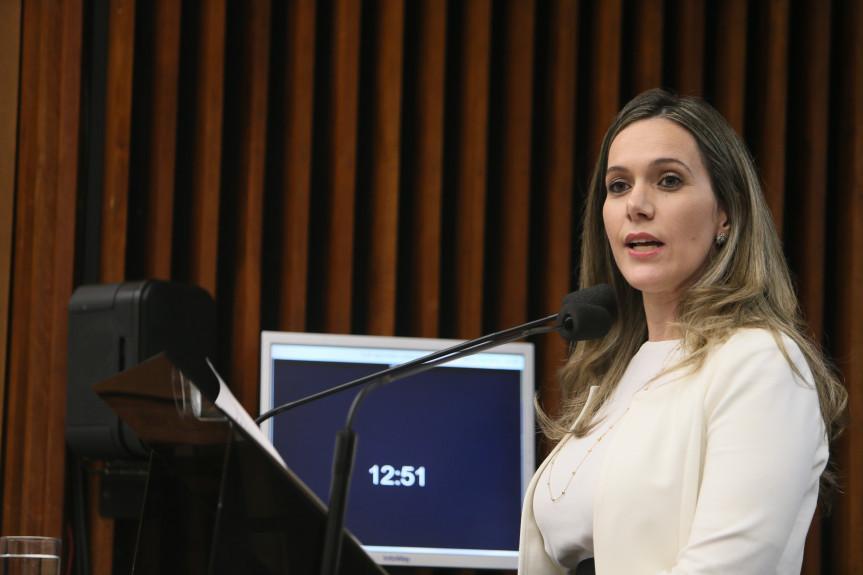 Janaína Naumann, presidente do Conselho Regional de Biomedicina, falou sobre p Dia Nacional do Biomédico.