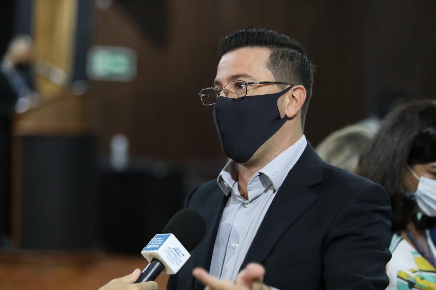 Deputados criticam altos valores do pedágio no Norte Pioneiro e demonstram preocupação com o modelo apresentado pelo Governo Federal.