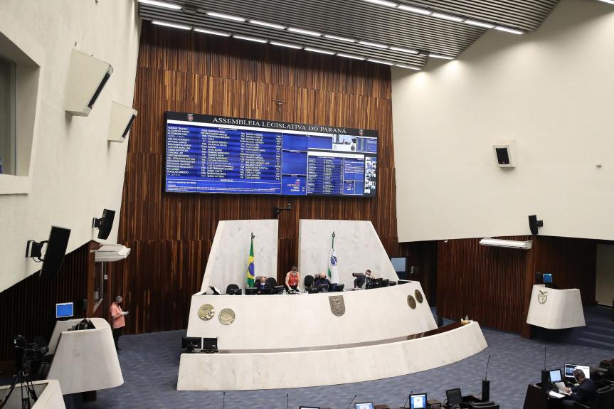 Deputados aprovam em segundo turno projeto que prevê crédito com juros especiais para agricultores do Paraná enfrentarem a pandemia.