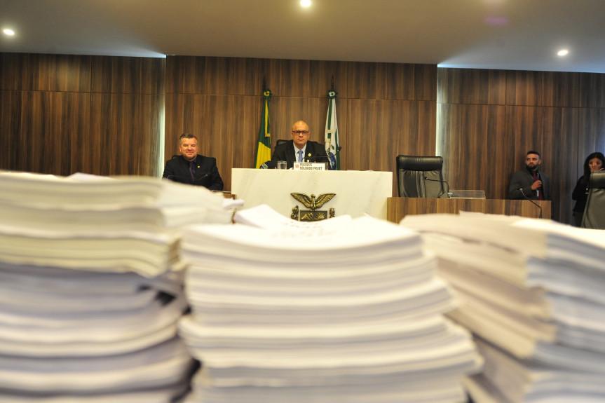 Projeto de resolução com a conclusão dos trabalhos da CPI da JMK foi votado por todos os deputados na Assembleia Legislativa do Paraná.