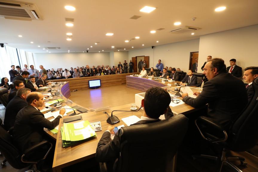 Reunião da Comissão de Constituição e Justiça da Alep desta terça-feira (11).