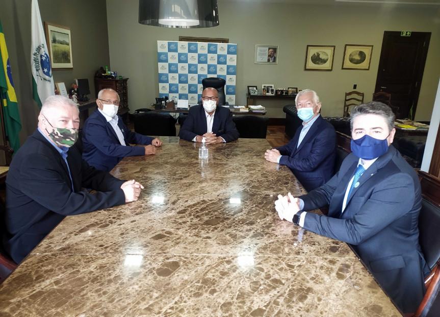 Socipar pede apoio dos deputados para a construção de nova ponte entre PR e MS