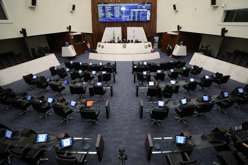 Proposta do Poder Executivo em debate na Assembleia Legislativa autoriza agentes cadastrados no Sistema Nacional de Crédito Rural a intermediar créditos no âmbito do Programa Paraná Mais Empregos.