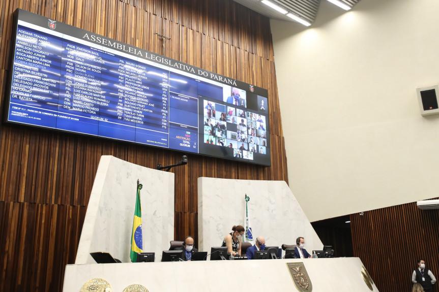 Deputados aprovam projeto que atende famílias de baixa renda na aquisição, ampliação ou reformas de imóveis urbanos e rurais.