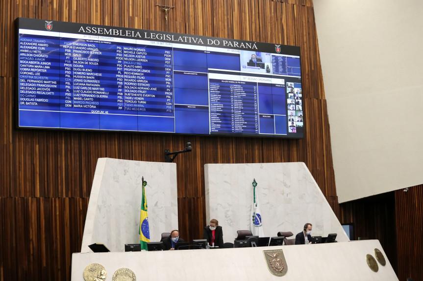 Deputados aprovam projeto que regulamenta a lei Aldir Blanc no Paraná.