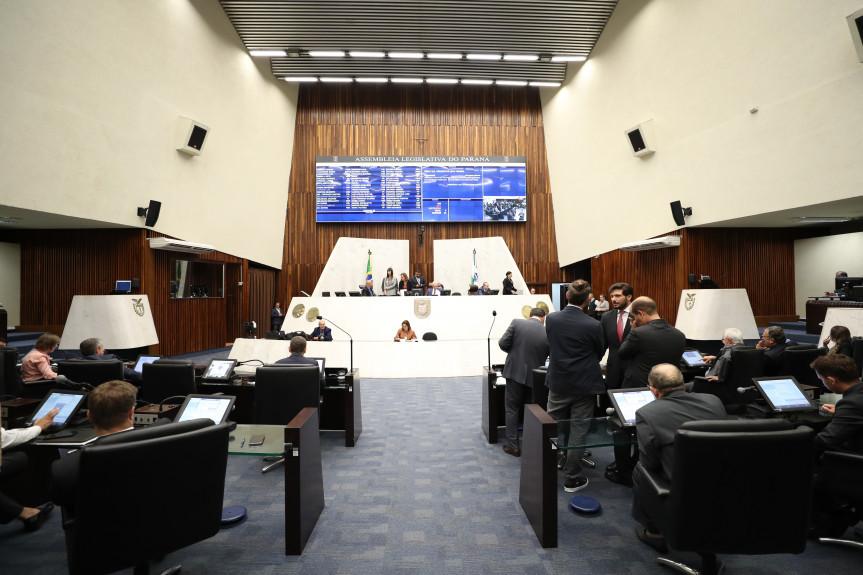 Deputado aprovam programa Detox Digital Paraná que visar alertar a sociedade sobre os riscos envolvidos no manejo diário da tecnologia.