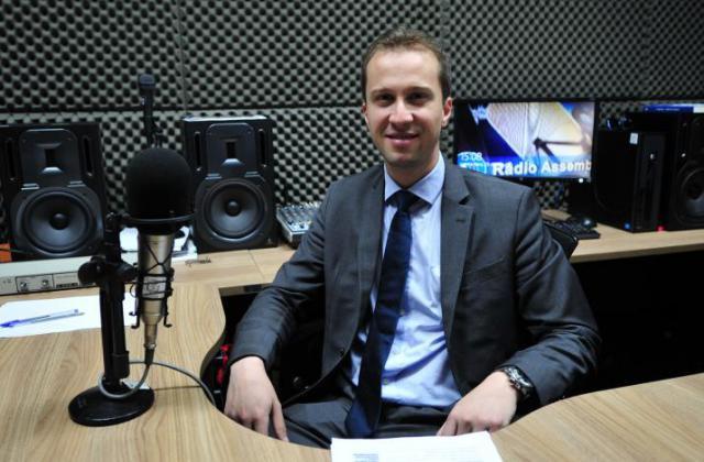 Dylliardi Alessi, entrevistado no programa Rádio Assembleia. / Foto: Pedro de Oliveira/ALEP