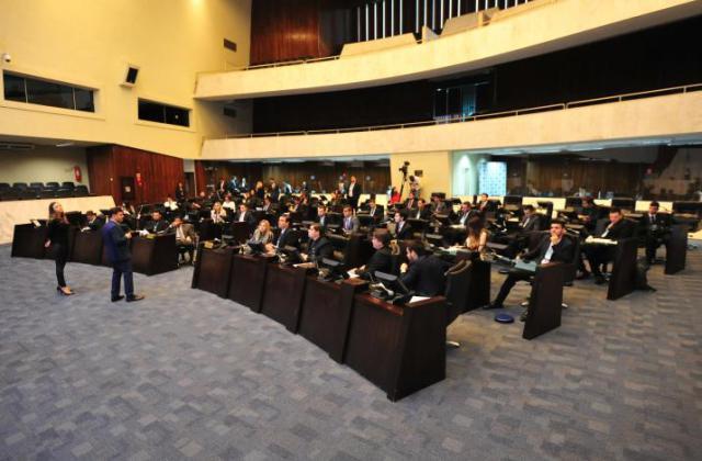 Primeira Sessão Plenária do Parlamento Universitário. / Foto: Sandro Nascimento/ALEP