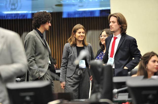 PEC do governo gerou muito debate em plenário / Foto: Orlando Kissner/Alep