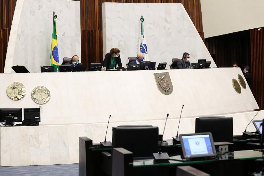 Mudança no processo de escolha dos diretores dos colégios estaduais é aprovada em primeiro turno na Assembleia Legislativa do Paraná.