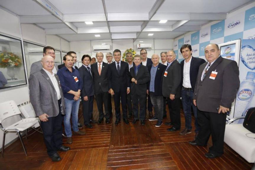 Inauguração do abatedouro de peixes em Palotina, contou com a presença do governador Beto Richa e deputados.