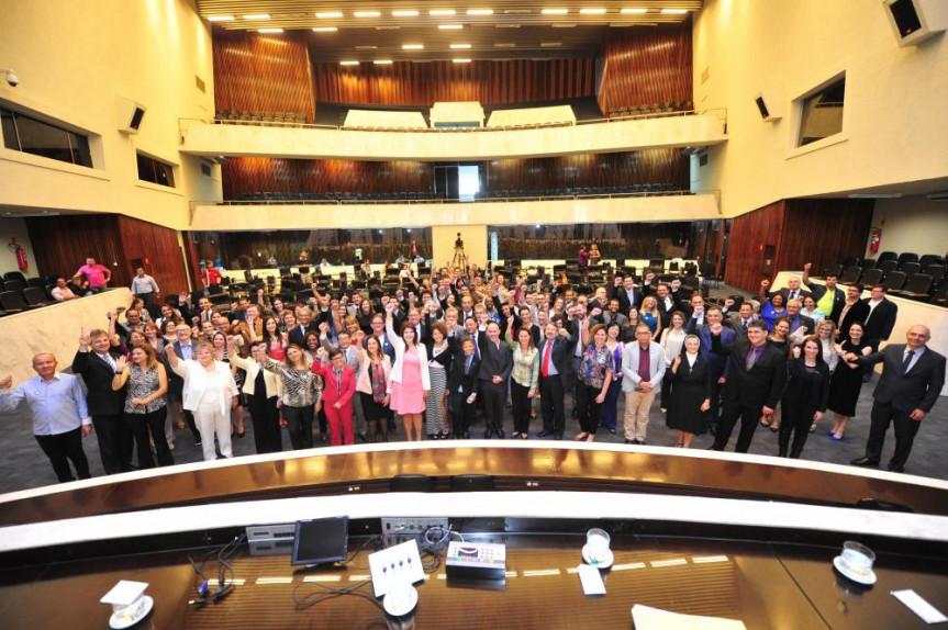 """Sessão Solene - """"Lançamento Estadual do Pacto Nacional Universitário pela Promoção do Respeito à Diversidade, da Cultura de Paz e dos Direitos Humanos"""" 16/03/2017"""