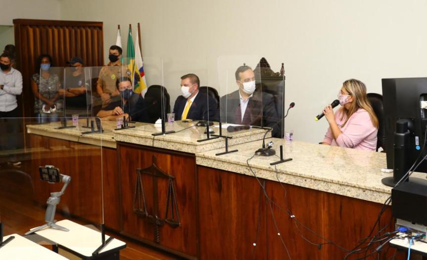 Reunião da Comissão Especial de Vacinação em Apucarana. Grupo de trabalho recebeu mais de mil denúncias de possíveis irregularidades na aplicação do imunizante contra a Covid-19.