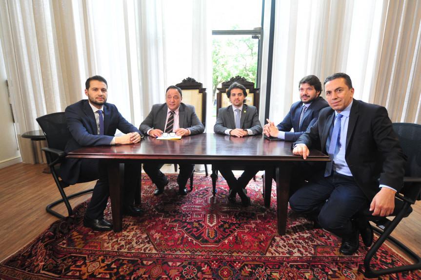 Reunião da Comissão Especial para análise da PEC da aposentadoria dos servidores estaduais.