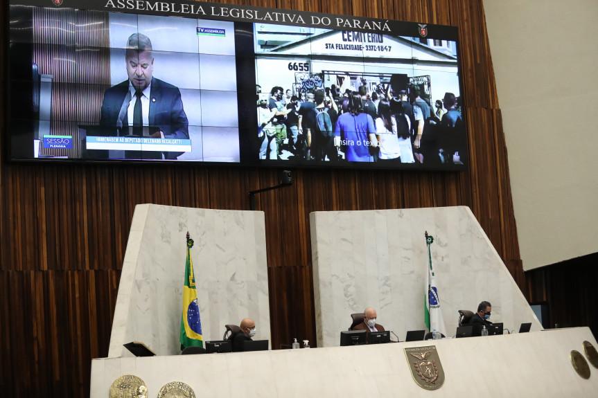Sessão plenária desta segunda-feira (12) foi marcada por homenagens ao deputado Delegado Recalcatti.