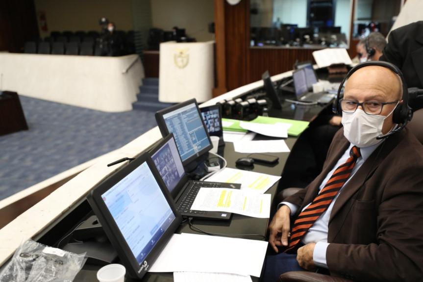 Deputado Luiz Cláudio Romanelli (PSB).