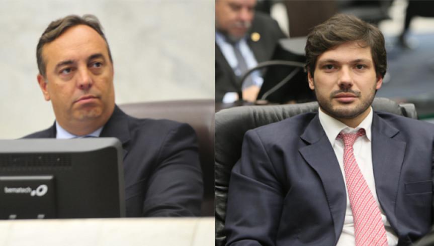 Deputado Delegado Francischini (PSL), presidente da Comissão Especial, e o deputado Tiago Amaral (PSB), relator, da PEC que trata das aposentadorias de policiais.
