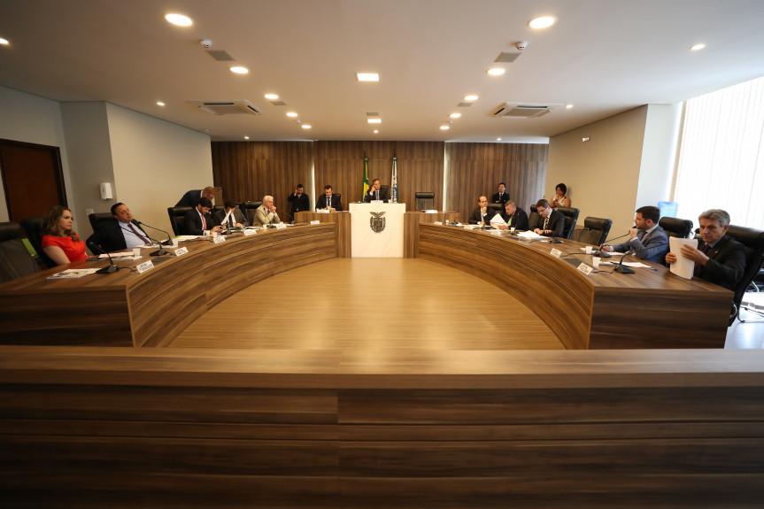 Reunião da CCJ discutiu uma proposta que proíbe o corte de água, luz e gás por um período de 180 dias.