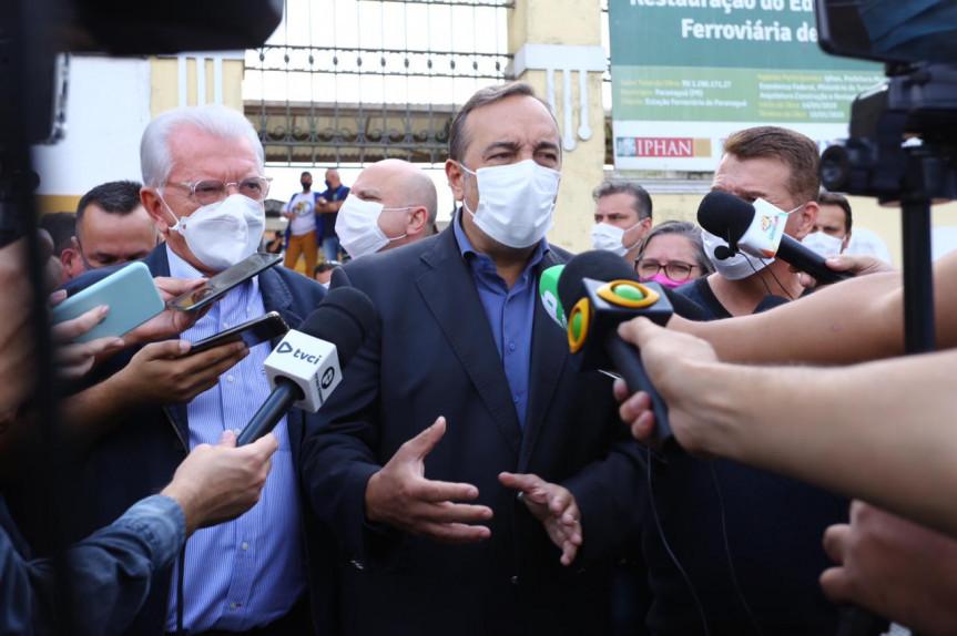 Os deputados que integram a Comissão Especial da Assembleia Legislativa do Paraná que investiga possíveis fraudes na vacinação contra a Covid-19 estiveram em Paranaguá nesta sexta-feira (28).