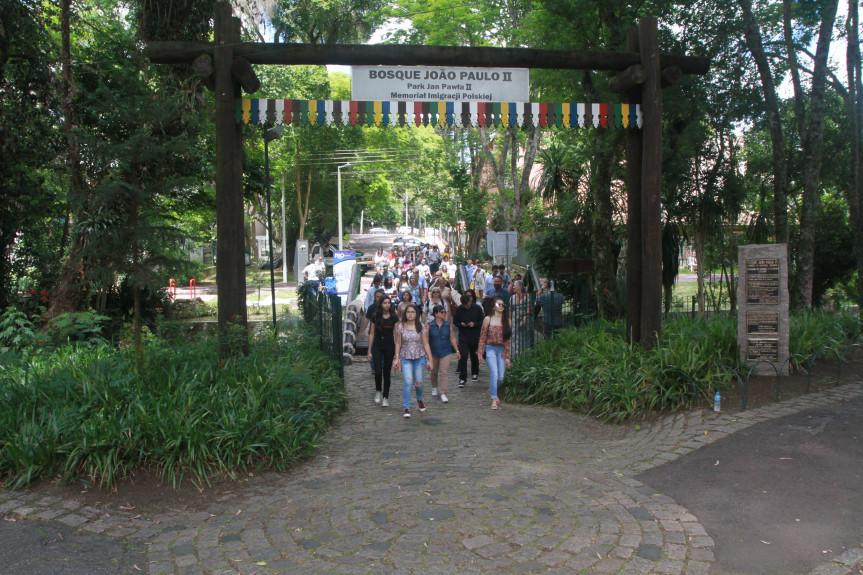 A visita aos principais pontos turísticos de Curitiba esteve no roteiro dos participantes da Caravana da Cidadania.