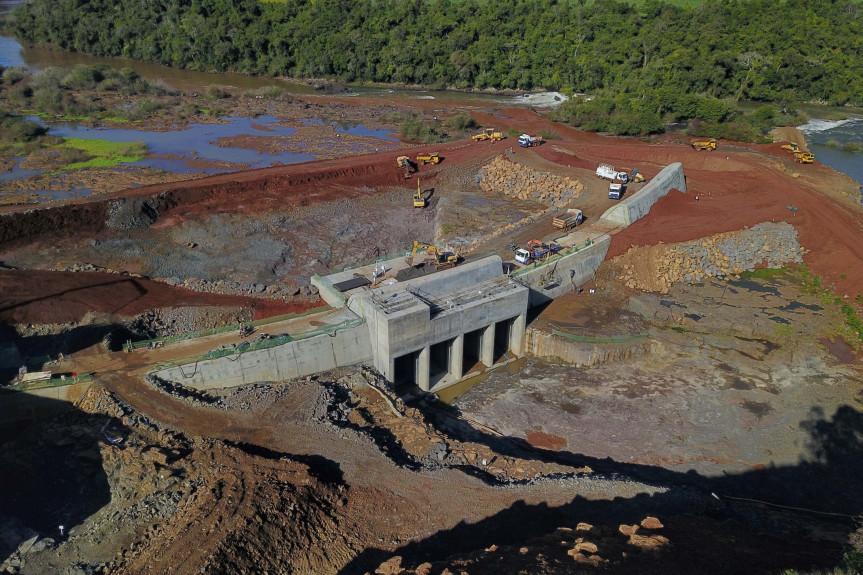 Pequena Central Hidrelétrica (PCH) Bela Vista, que está em construção entre os municípios de Verê e São João, no Sudoeste do estado.