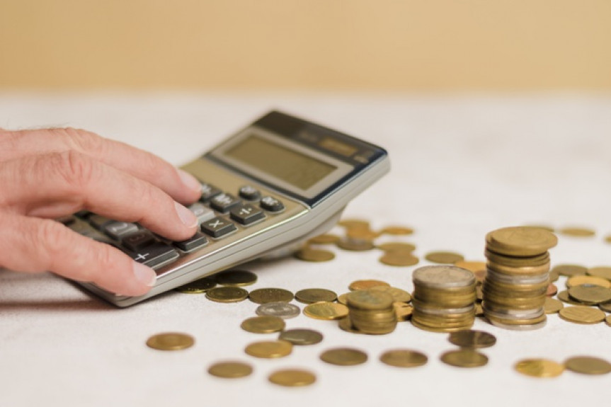 Responsabilidade financeira e maneiras inteligentes de investir o décimo terceiro salário são temas do programa Assembleia Entrevista desta sexta-feira (13).
