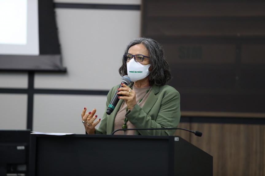 A vereadora de Maringá, Ana Lucia Rodrigues na audiência pública sobre o novo modelo de pedágio no Paraná, que aconteceu na manhã desta sexta-feira (21).