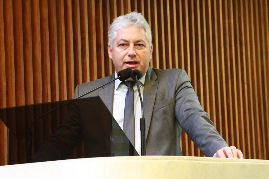 Deputado Douglas Fabrício (CDN).